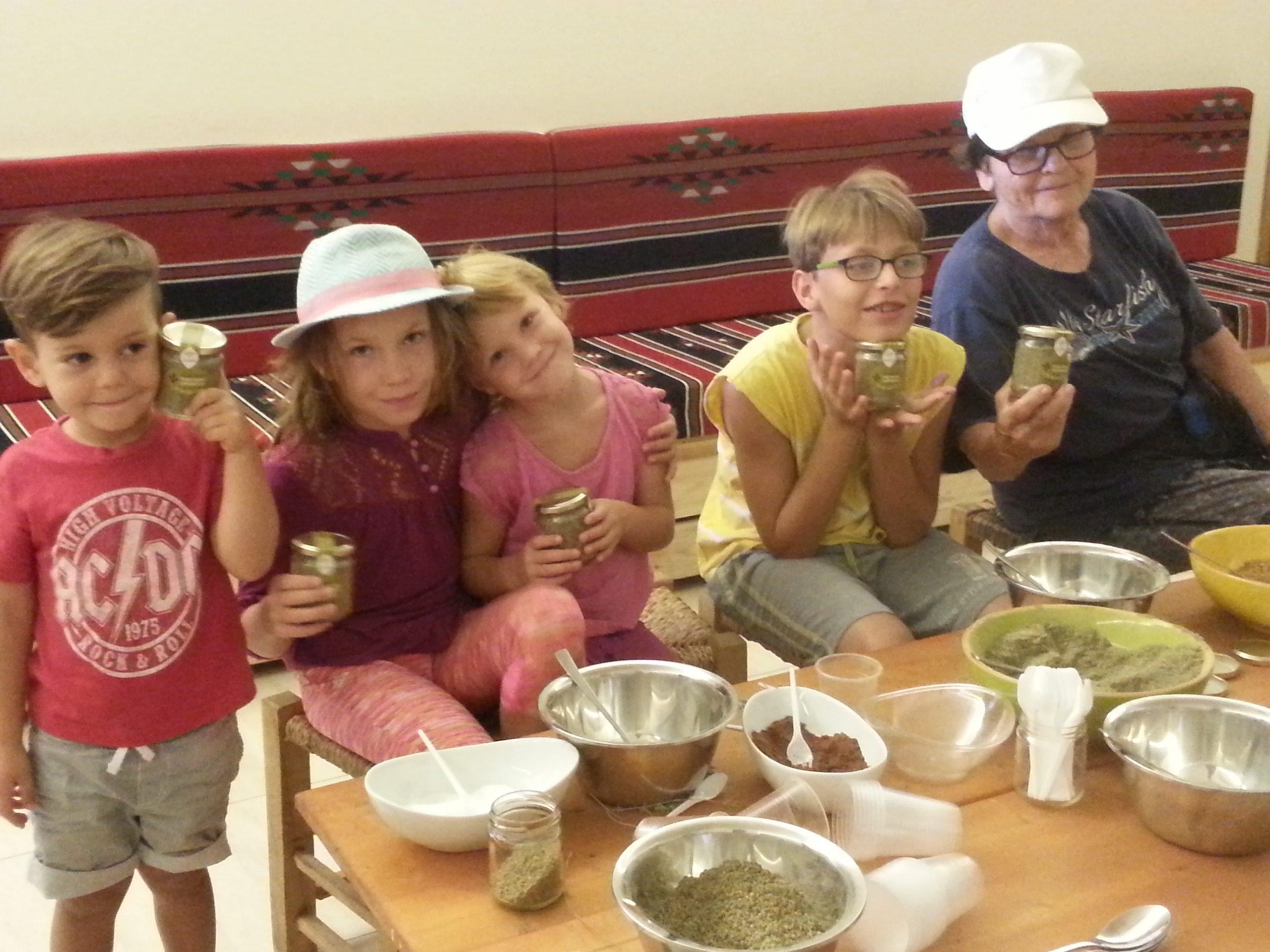 סדנת הכנת צנצנת אישית של תערובת זעתר מסורתית